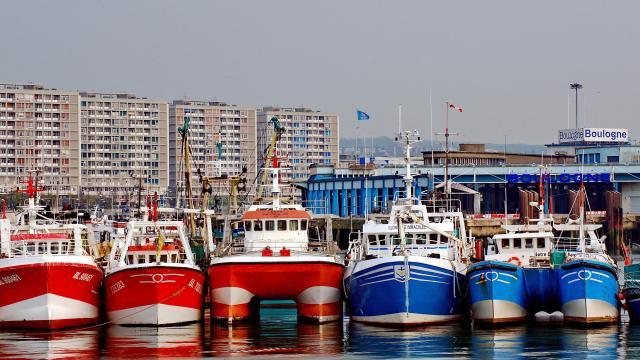 Fransa ile İngiltere arasında balıkçılık gerilimi sürüyor