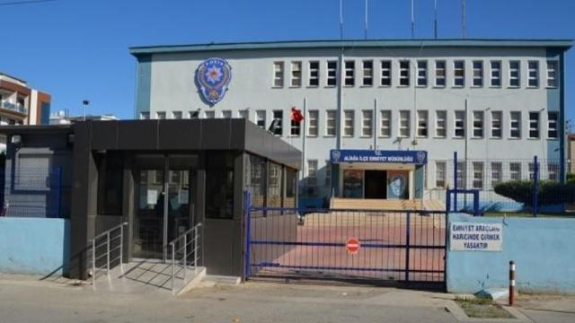 İzmirde 3 ayrı ticari taksi içerisinde 11 düzensiz göçmen yakalandı