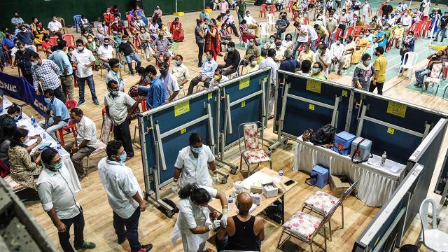 Hindistanda bir günde 353 bin vaka