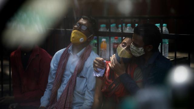 Hindistanda 688 binden fazla hasta için tıbbi oksijen ihtiyacı var