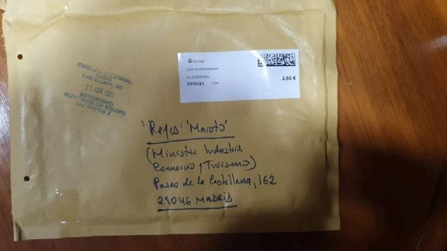 İspanyada Turizm Bakanı Marotoya kanlı bıçak gönderildi