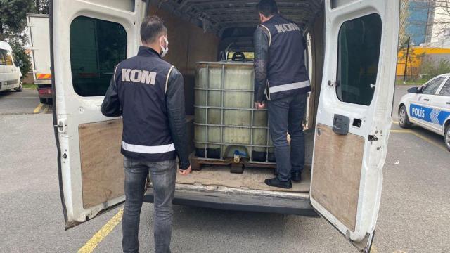 Tekirdağda bir minibüste 3 ton kaçak akaryakıt ele geçirildi