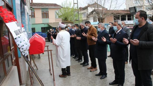 Kastamonuda vefat eden Kıbrıs gazisi Ali Demiryapan son yolculuğuna uğurlandı