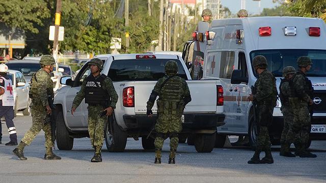 Meksikada rakip uyuşturucu kartelleri çatıştı: 8 ölü
