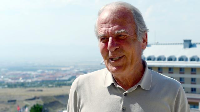 Mustafa Denizli resmen Altayda