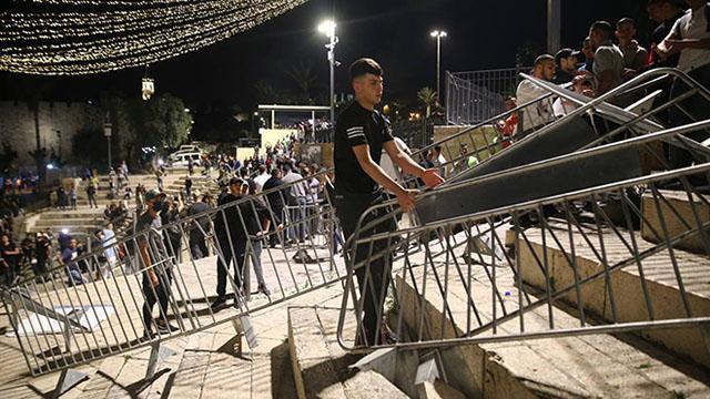 Filistinliler Şam Kapısındaki barikatları kaldırdı