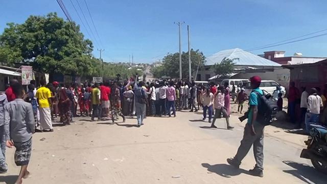 Somalide iktidar destekçileri ile muhalefet yanlısı askerler çatıştı: 2 ölü