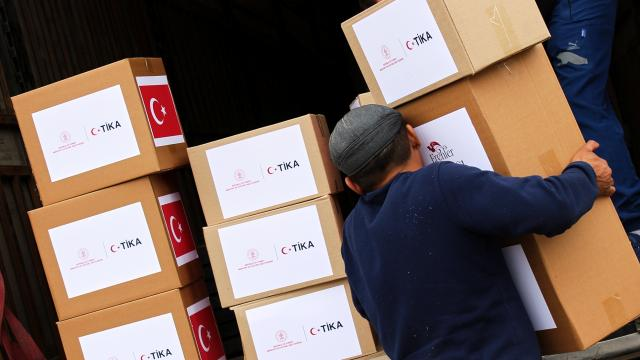 """TİKA """"Erenler Sofrası"""" adıyla Kazakistanda ramazan yardımı dağıtımına başladı"""