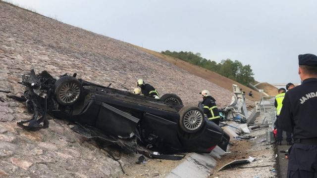Kazakistan konsolosluğuna ait araç kaza yaptı: 4 ölü