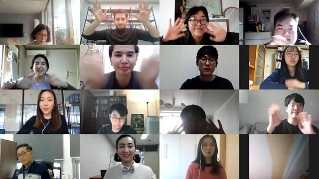 Güney Koreliler Yunus Emre Enstitüsünün açtığı kurslarla Türkçe öğreniyor