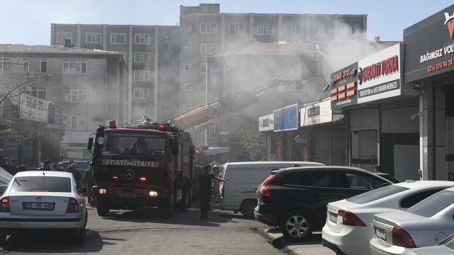 Ataşehirde oto tamirhanesinde yangın