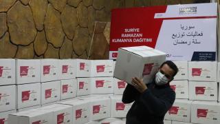 Yeryüzü Doktorları Derneği ramazanda Suriye'de 700 aileye gıda yardımı yaptı