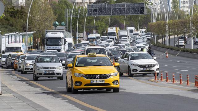 Ankarada tam kapanmanın ilk gününde yoğun trafik