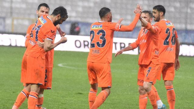 Erzurumdaki kritik maç Başakşehirin