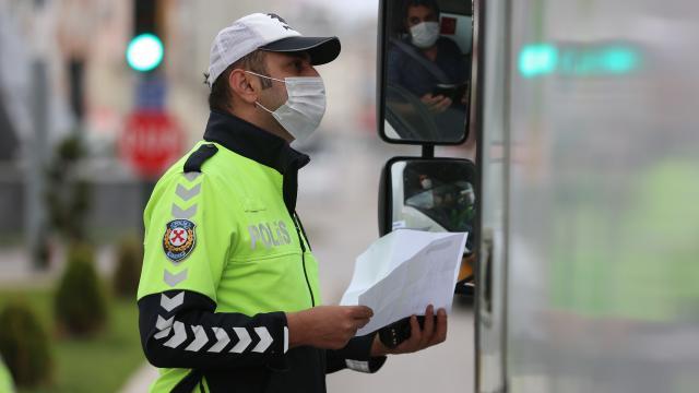 Malatyada tedbirleri ihlal eden 76 kişiye para cezası kesildi