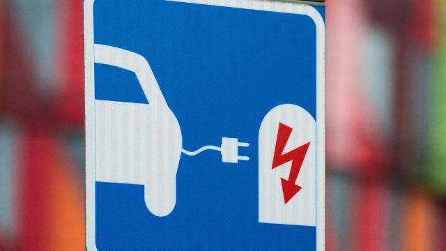 Binek araç satışlarının yarısı 2032ye kadar elektrikli olabilir