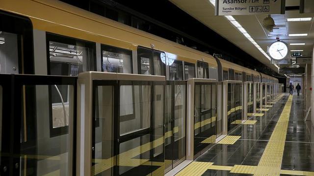 """İstanbulda metro seferlerine """"tam kapanma"""" düzenlemesi"""