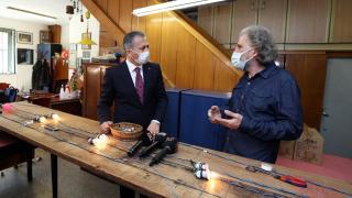 İstanbul Valisi Ali Yerlikaya mahya atölyesini ziyaret etti