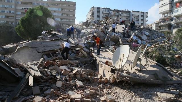 İzmirdeki deprem soruşturmasında 2 kişi tutuklandı