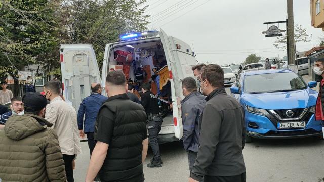 Kocaelide trafikte önünü kesen kişinin açtığı ateşle yaralanan sürücü hastaneye kaldırıldı