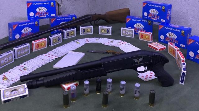 Uşakta kumar oynayan 18 kişiye para cezası
