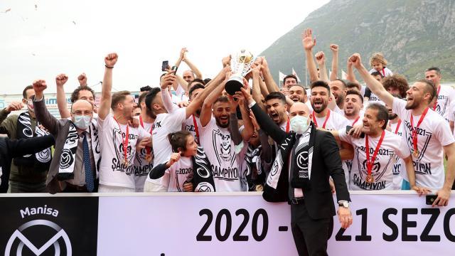 Manisa şampiyonluk kupasını aldı