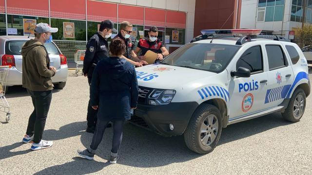 Edirnede araçlarıyla alışverişe gelenlere 3 bin 150 lira ceza yazıldı