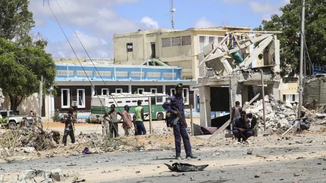 Somalide karakolun önünde intihar saldırısı: 6 ölü