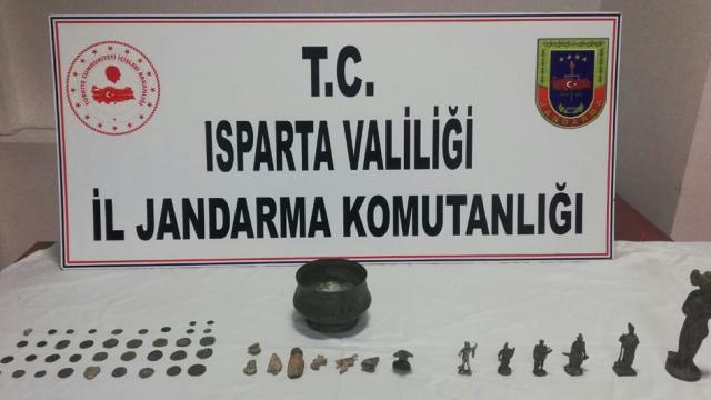 Ispartada tarihi eser kaçakçılığı operasyonu: 7 gözaltı