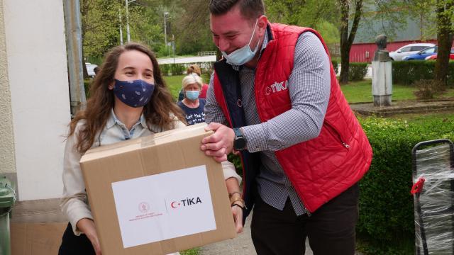 TİKA, Hırvatistanda ihtiyaç sahiplerine ramazan yardımı yaptı