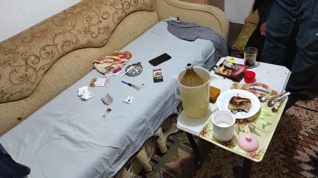 Çanakkalede, evde yapılan uyuşturucu partisine polis baskını