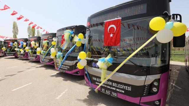 Van Büyükşehir Belediyesi 79 yeni aracı hizmete aldı