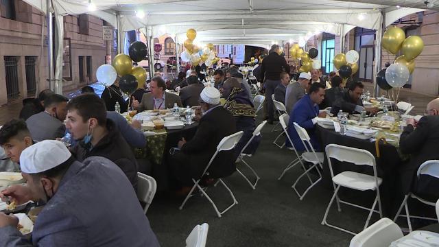 ABDde Türklerin en yoğun yaşadığı Patersonda iftar yemeği verildi