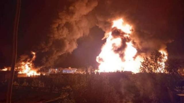 Afganistanda akaryakıt istasyonunda yangın: 10 ölü