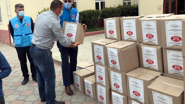 Diyanet İşleri Türk İslam Birliğinden Gürcistanda ihtiyaç sahibi ailelere gıda yardımı
