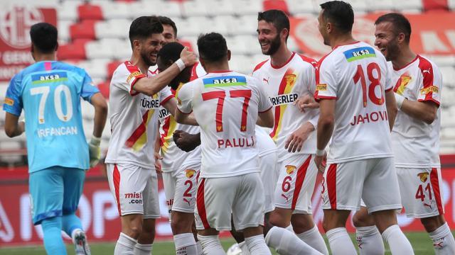 Göztepe Antalyada 3 golle kazandı