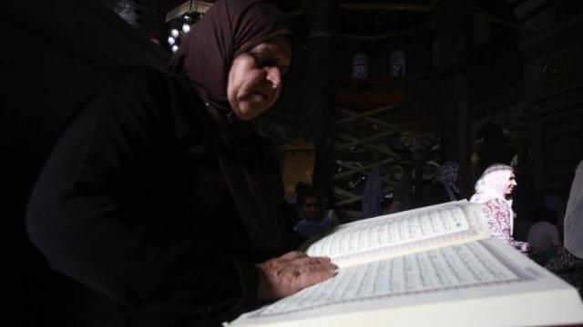 Müslümanlar salgında evin bir odasında itikafa girebilir
