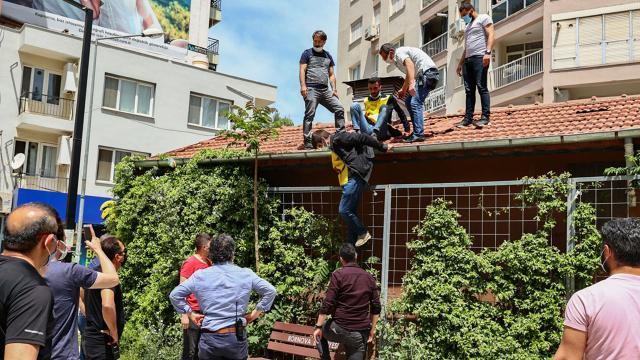 İzmirde izinsiz gösteride 20 gözaltı