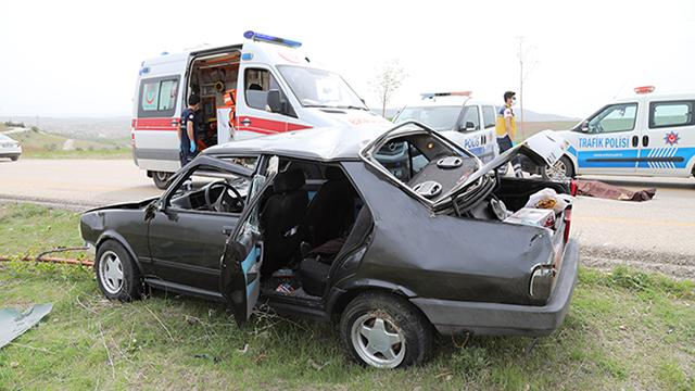 Ankarada devrilen otomobilin sürücüsü hayatını kaybetti