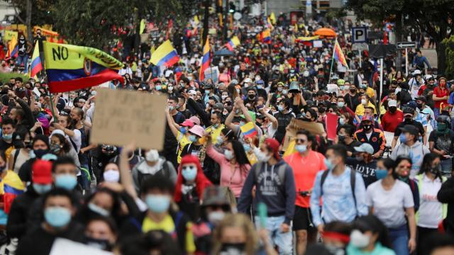 Kolombiyada vergi reformu gösterileri: 5 ölü