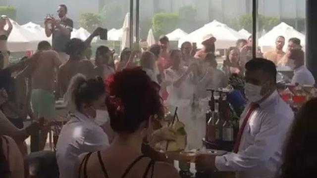 Antalyada koronavirüs partisi düzenleyen otel kapatıldı