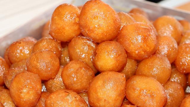 Lokma, ramazanın vazgeçilmez tatlılarından