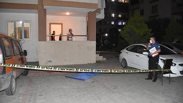 Adanada 13. kattan düşen çocuk hayatını kaybetti