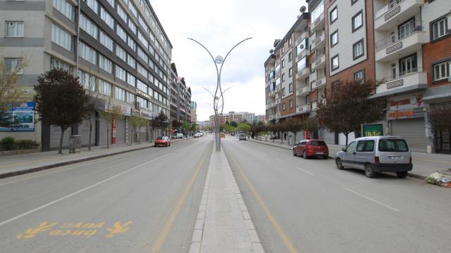 Van, Hakkari, Bitlis ve Muşta tam kapanmayla sessizlik hakim oldu