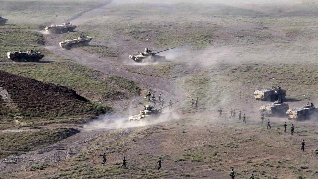 Kırgızistan, Tacikistan tarafında askeri hareketliliğin olduğunu iddia etti
