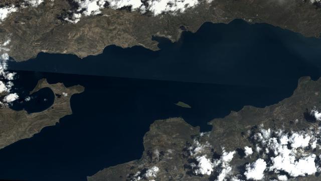 Van Gölüne bir de Göktürkten bakın