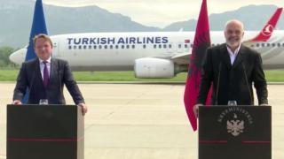 Arnavutluk'taki basın toplantısına THY arası