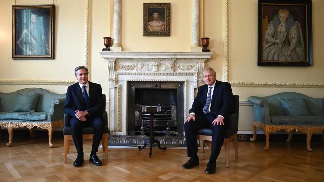 İngiltere Başbakanı Johnson, ABD Dışişleri Bakanı Blinkenle görüştü