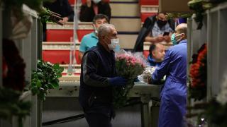 Çiçek mezadında 'Anneler Günü' telaşı