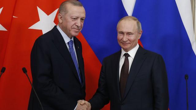 Erdoğan ve Putin, Sputnik V aşısının tedarikini görüştü